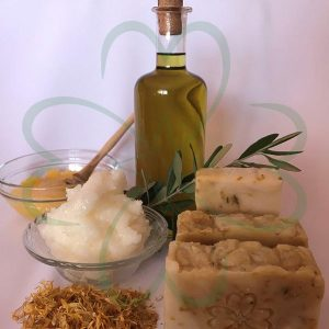 sapun cu ingrediente naturale si flori de galbenele